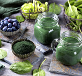 Green smoothie with spirulina,spinach and blueberries