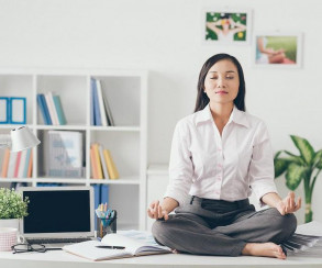 https___blogs-images.forbes.com_raquelbaldelomar_files_2016_06_Shutterstock-woman-meditating-in-office